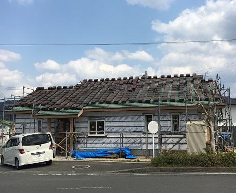 【新居】屋根はセラミック瓦がよい?白い外壁は汚れが目立つ?~建築途中経過~