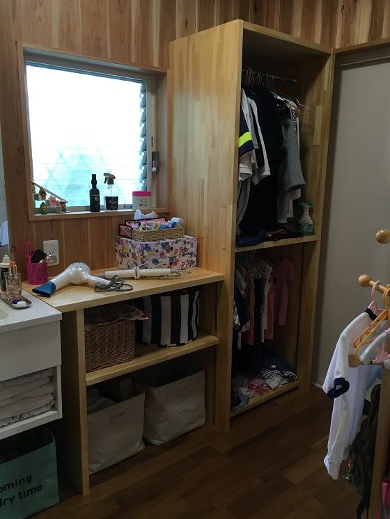 脱衣所の棚