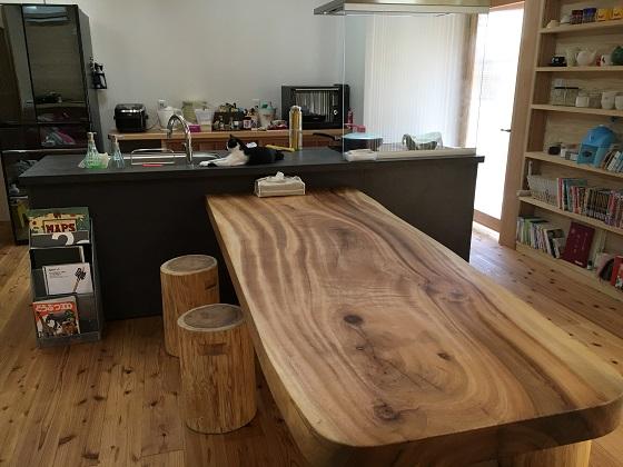 義父が作ったテーブル 縦向き