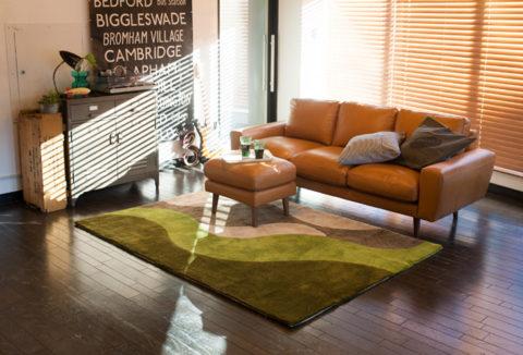 ウニコの皮張りのソファー