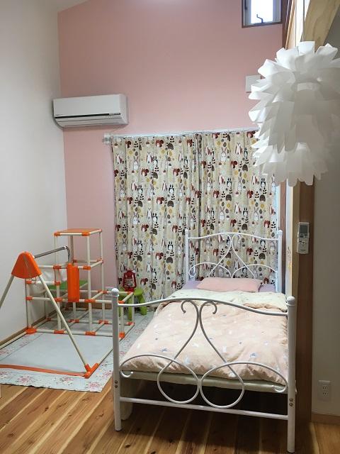 ベッドを置いた娘の部屋