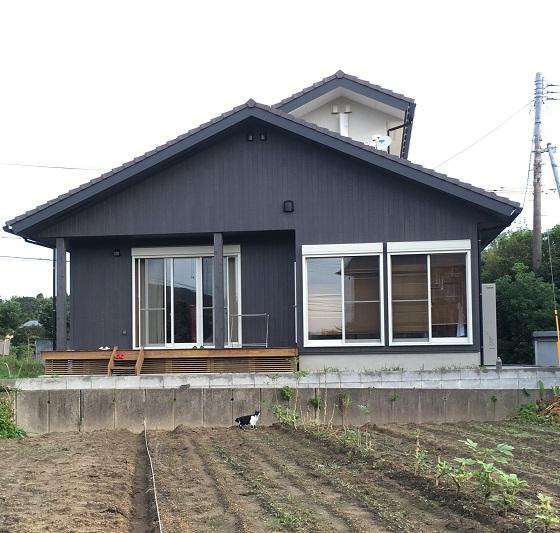出来上がった新居の外観(南側)
