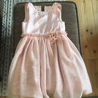 h&mのピンクのドレス
