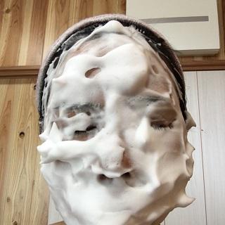 泡で包んだ私の顔