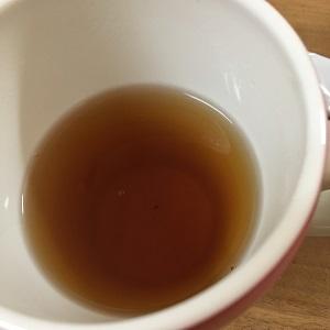 かき混ぜたあとの紅茶
