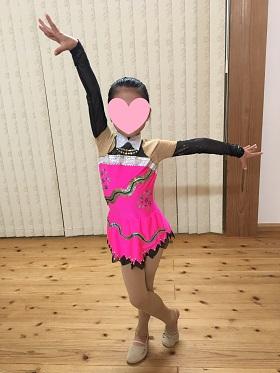 レオタードを着る娘