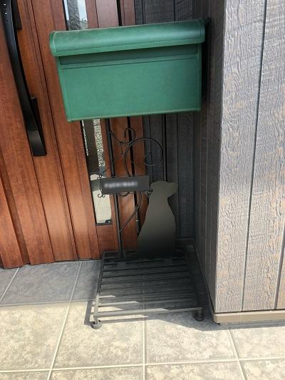 玄関に置いたポスト2
